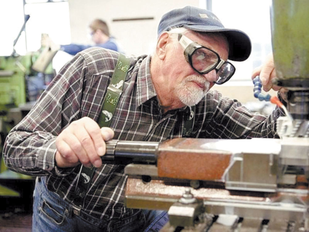 «Эх, как бы дожить бы…» - Примерно треть россиян после выхода на пенсию продолжают трудиться