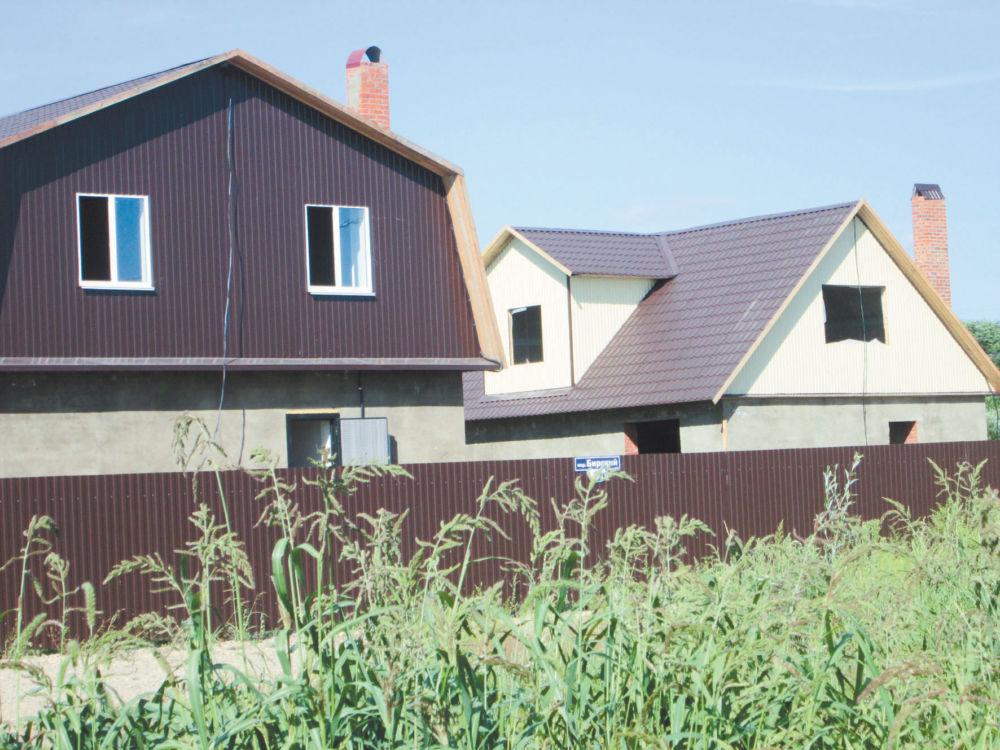 А какое планов громадьё! - Продолжается строительство одноэтажных домов  в посёлке Партизанском-2 г. Биробиджана.