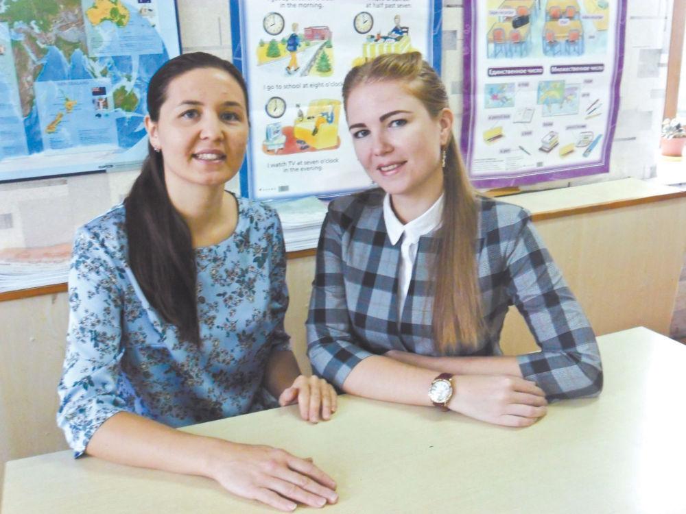 Школьная дружба чудесная - Юлия Шеломенцева и Лина Попова.
