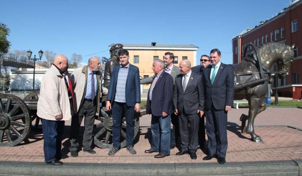 Депутаты Госдумы проводят совещание в ЕАО