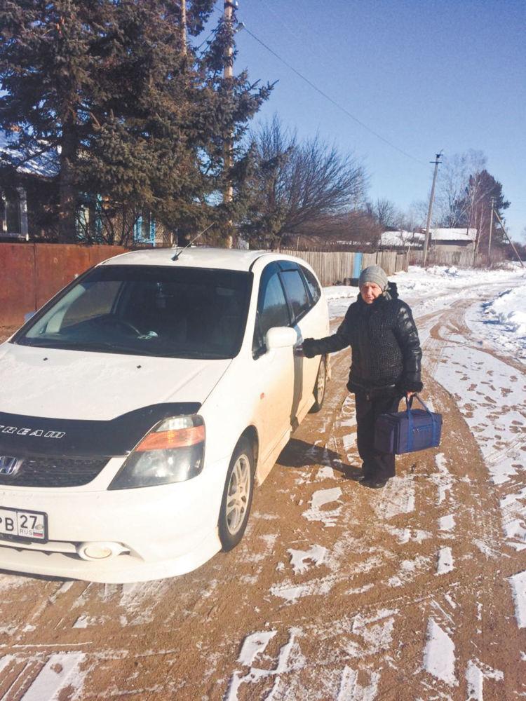 Пока носят ноги — лечу других - Фельдшер Н. Шиповалова собралась на вызов