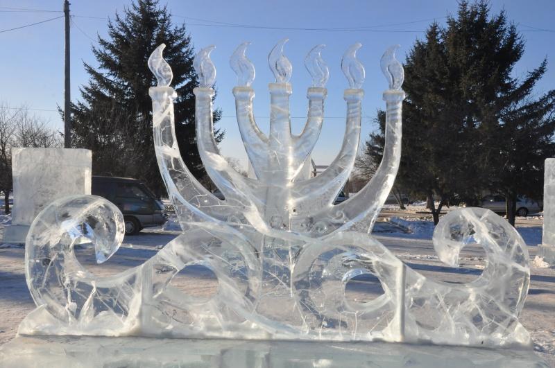 Конкурс ледовых скульптур «Хрустальная менора»