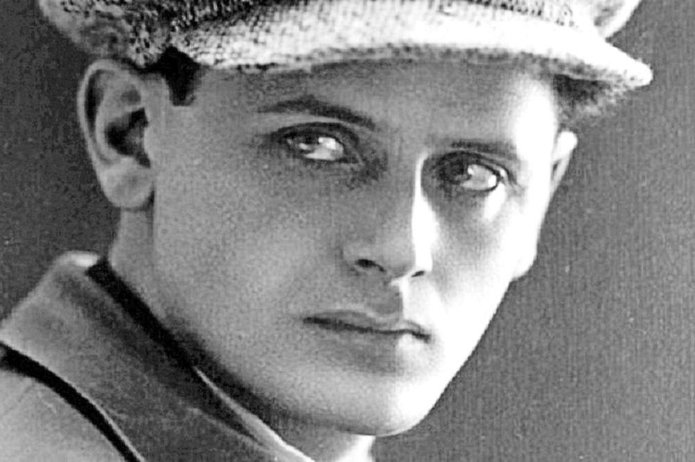 Советский поэт и писатель Перец Маркиш  (1895 – 1952)