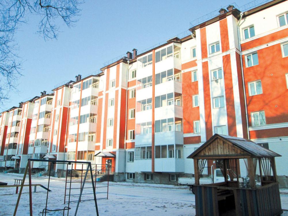 Сколько будет в «квадратах»? - Жилой дом в центре Биробиджана, где имеется много пустующих квартир.