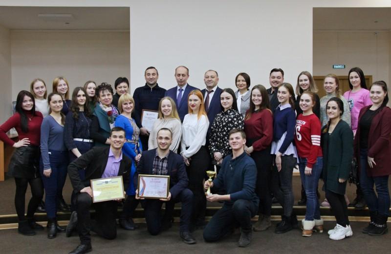 Александр Левинталь отметил высокое мастерство ансамбля «Овация»