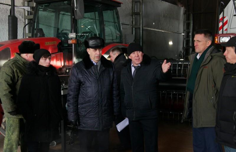 Сельхозтехникум  в Ленинском районе проинспектировал губернатор Александр Левинталь.