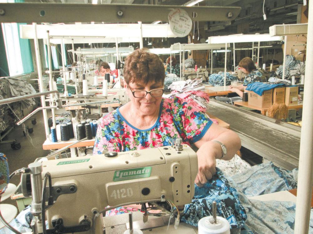 Нелёгкая промышленность - Работа в одном из цехов фабрики