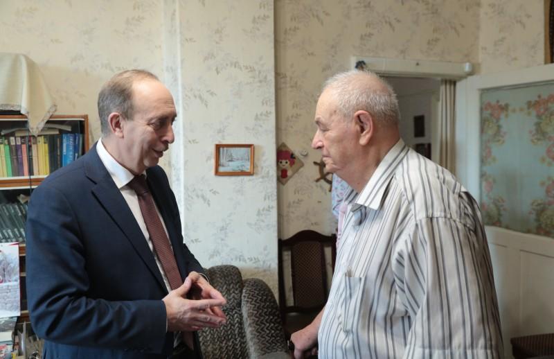 Александр Левинталь поздравил с 87-летием Почетного гражданина Еврейской автономной области Марка Кауфмана