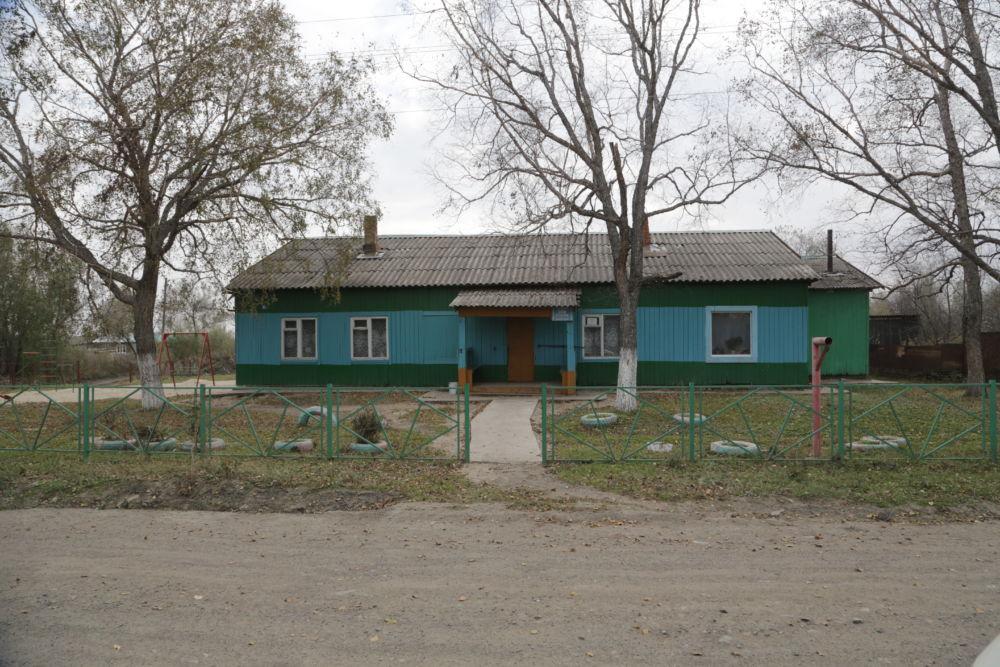 Прости нас, деревня! - Дом культуры в селе Октябрьском пока еще работает.
