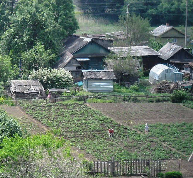 Село все меньше