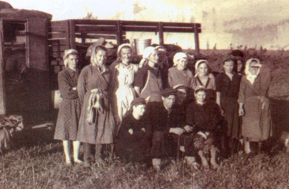 Юбилеи сельского масштаба - Бригада доярок с. Кирово. 1963 г.