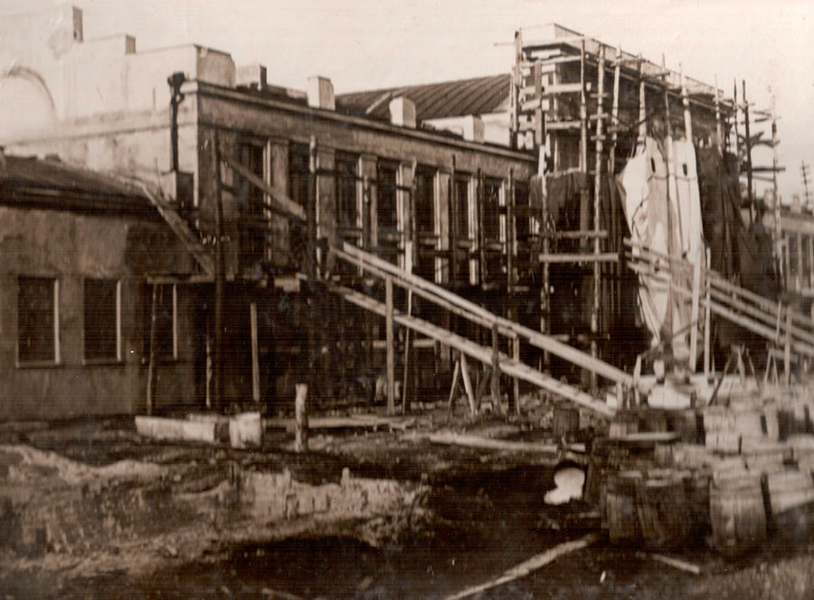 Они руководили областью - Строительство вокзала