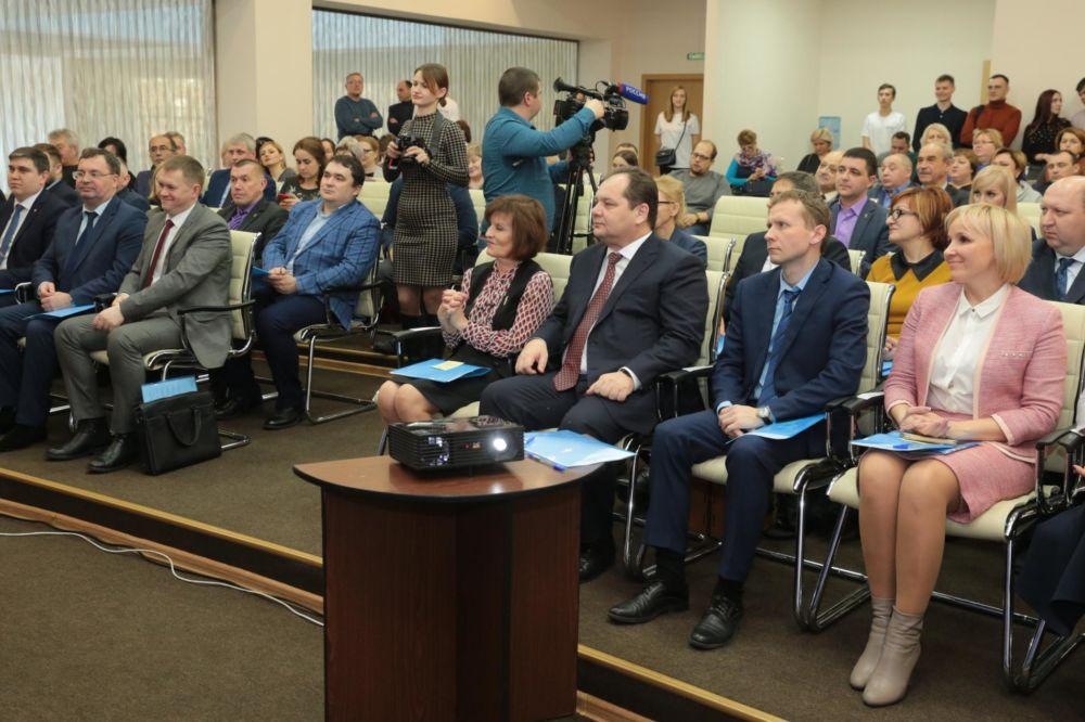 Итоги работы в минувшем году подвели в региональном отделении партии «Единая Россия»